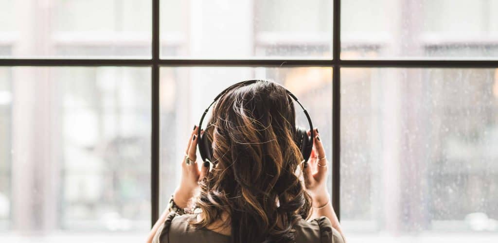 How Music Helps Improve Your Productivity