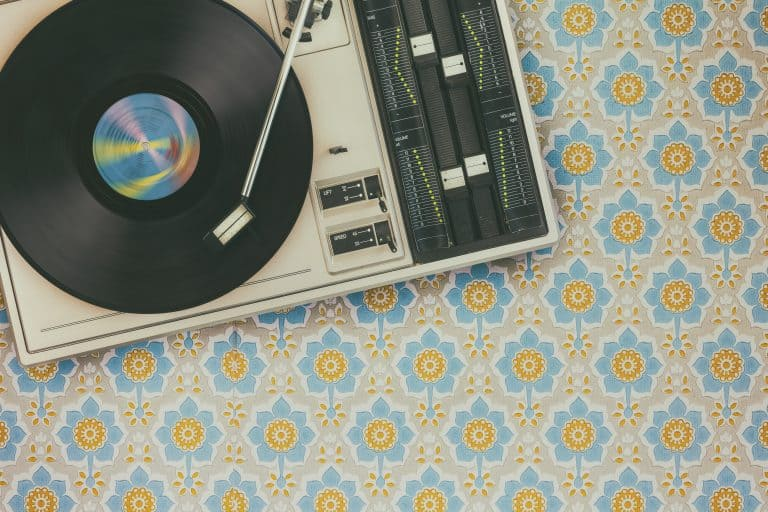 7 Best Vintage Turntables (2019): The Ultimate Buying Guide